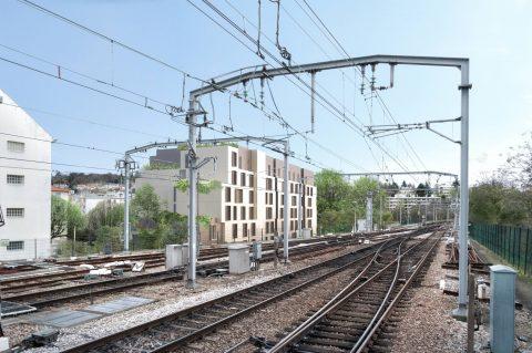 Façade nord vue depuis les voiees du RER